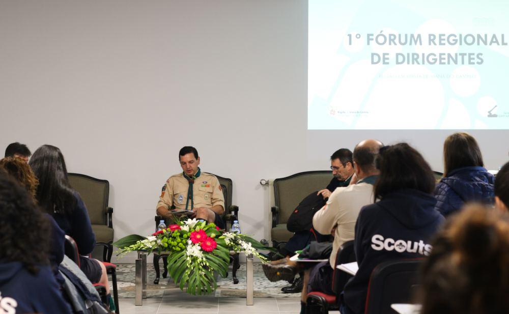 Dirigentes reunidos para debater várias temáticas relacionadas com o atual estado da Formação da Região.