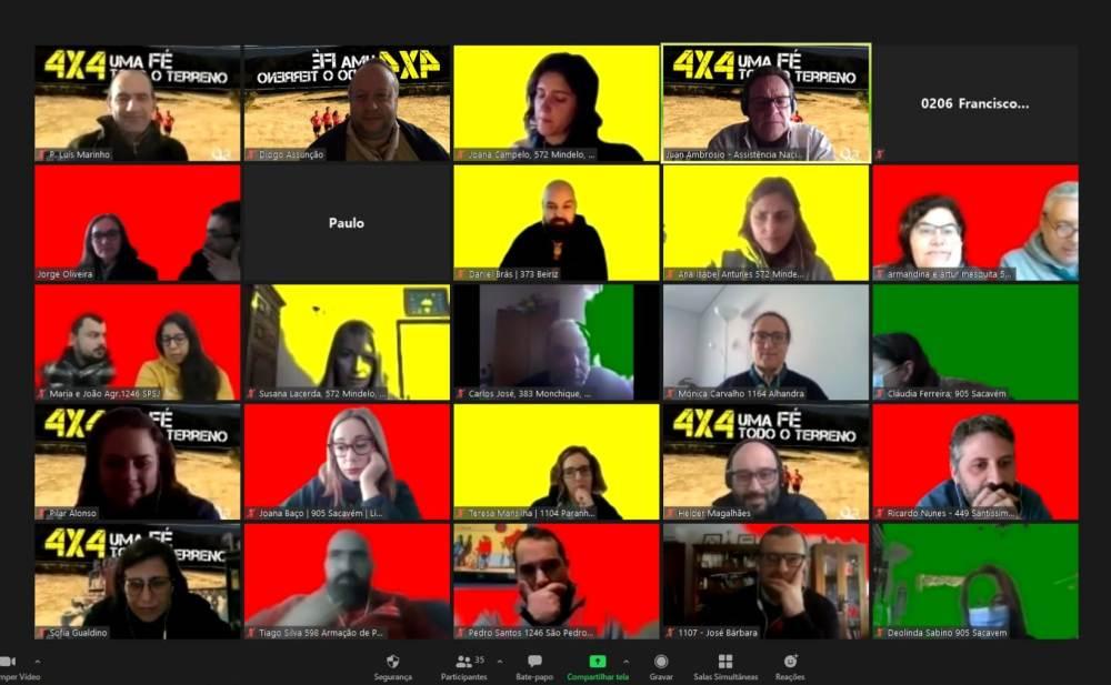 A primeira sessão contou com 35 participantes.